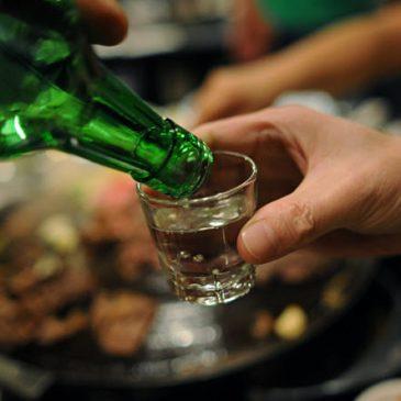 Uống rượu hại và lợi